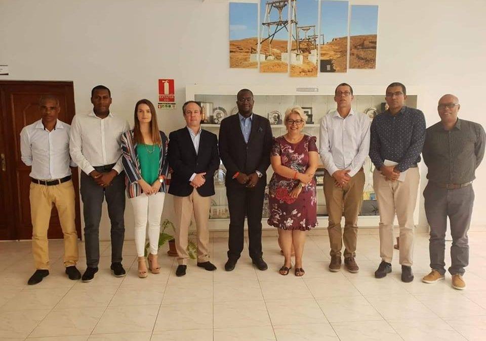 Reunião na Câmara Municipal do Sal em Cabo-Verde